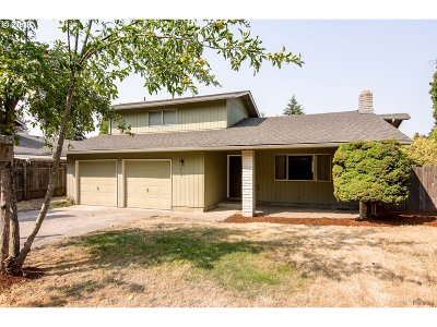 Springfield Single Family Home For Sale: 439 64th St