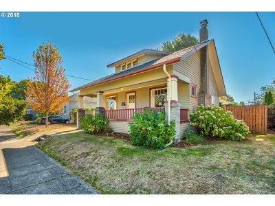 Single Family Home For Sale: 624 NE Simpson St