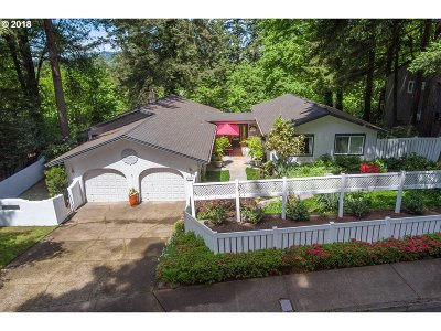 Lake Oswego Single Family Home For Sale: 1581 Woodland Ter