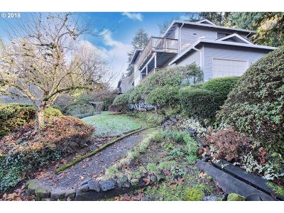 Lake Oswego Single Family Home For Sale: 1359 Larch St