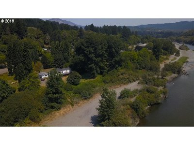 Brookings Single Family Home For Sale: 98630 N Bank Chetco Rd