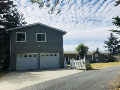 Gold Beach Single Family Home For Sale: 29456 Daisy Ln