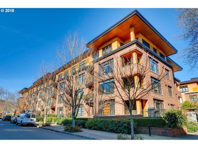 Portland Condo/Townhouse For Sale: 2350 NW Savier St #320