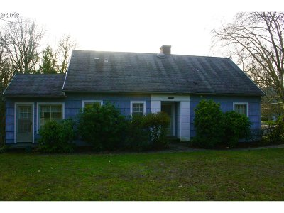 Milwaukie Single Family Home For Sale: 16815 SE River Rd