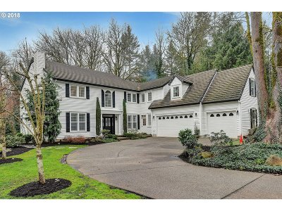 Lake Oswego Single Family Home For Sale: 4591 Dogwood Dr