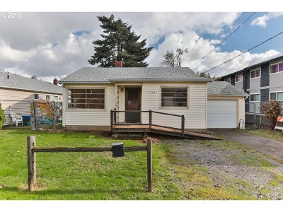 Portland Single Family Home For Sale: 1726 NE 111th Ave