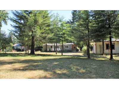 Coos Bay Single Family Home For Sale: 67090 Myrtle Grove Rd