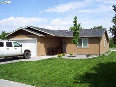 Hermiston Single Family Home For Sale: 1090 W Ridgeway Ave