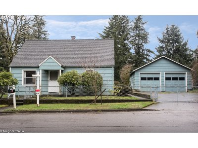 Portland Single Family Home For Sale: 3115 SE 134th Ave