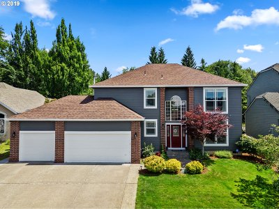 Clackamas County Single Family Home For Sale: 16056 SE Orchard View Ln