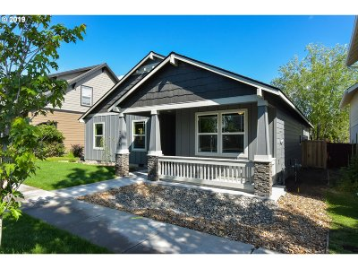 Bend Single Family Home For Sale: 21384 Oakview Dr
