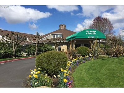 Beaverton Condo/Townhouse For Sale: 13775 SW Scholls Ferry Rd #304