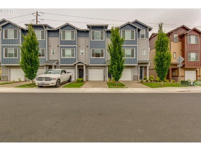 Hillsboro Condo/Townhouse For Sale: 169 NE 78th Ave