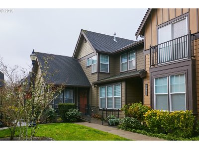 Hillsboro Condo/Townhouse For Sale: 7098 NE Stonewater St