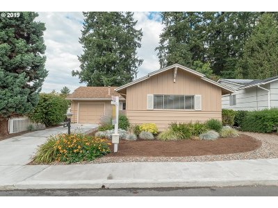 Sherwood, King City Single Family Home For Sale: 16525 SW King Charles Ave