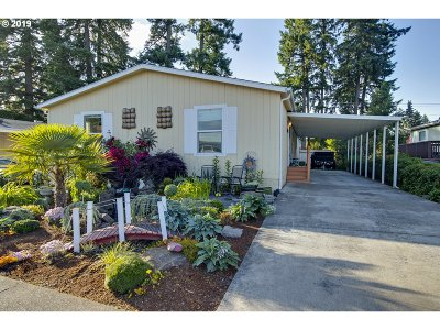 Tigard Single Family Home For Sale: 12450 SW Fischer Rd #102