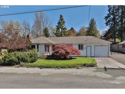 Milwaukie Single Family Home For Sale: 15514 SE La Bonita Way