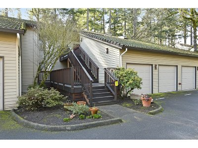 Tigard Condo/Townhouse For Sale: 14956 SW 109th Ave