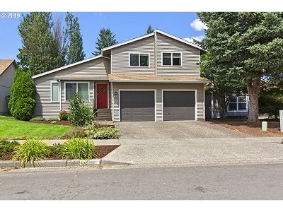 Beaverton Single Family Home For Sale: 11757 SW Crater Loop