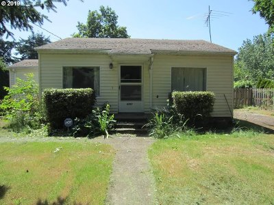 Portland Single Family Home For Sale: 5107 SE 115th Ave