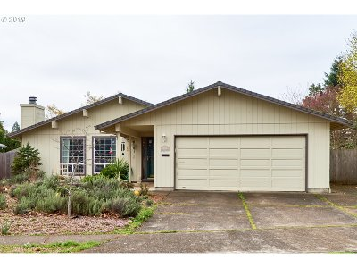 Newberg Single Family Home For Sale: 3000 Middlebrook Dr