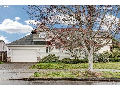 Hillsboro Single Family Home For Sale: 1290 NE Estelle Ct