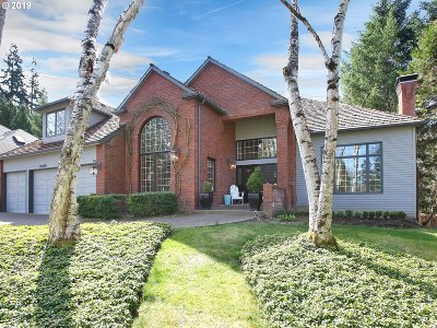 Lake Oswego Single Family Home For Sale: 18409 Old River Dr