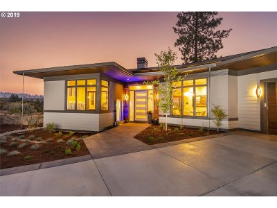 Bend Single Family Home For Sale: 19250 Christopher Ct