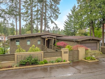 Lake Oswego Single Family Home For Sale: 1149 Lake Shore Rd