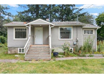 Portland Single Family Home For Sale: 17448 SE Marie St