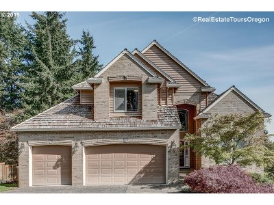 Beaverton Single Family Home For Sale: 8590 SW Ravine Dr