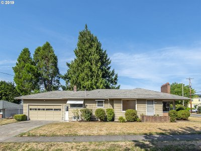 Portland Single Family Home For Sale: 2709 SE 79th Ave