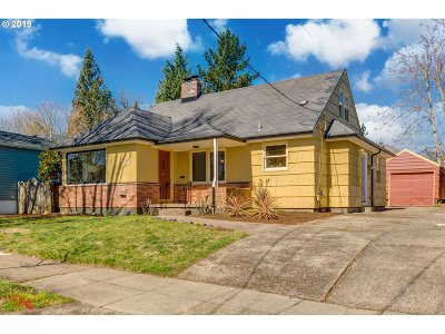Portland Single Family Home For Sale: 1815 SE Clatsop St