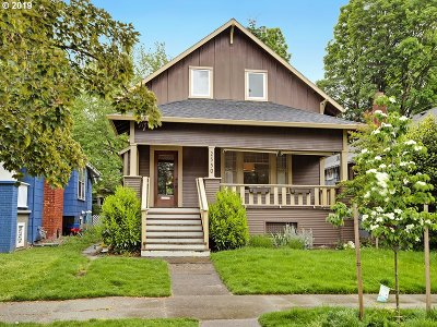 Portland Single Family Home For Sale: 2550 SE 35th Pl
