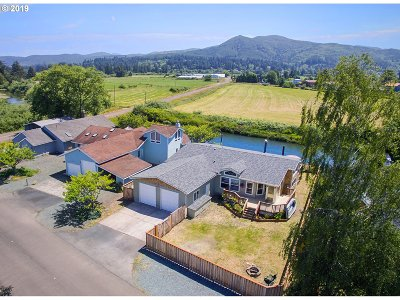 Nehalem Single Family Home For Sale: 38055 Island Dr