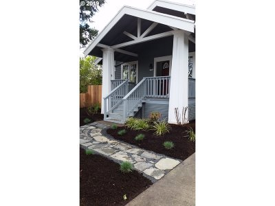 Portland Single Family Home For Sale: 7700 SE Mitchell St
