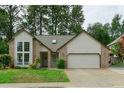 Salem Single Family Home For Sale: 444 Cherrywood Ct
