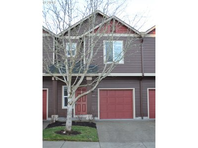 Newberg Condo/Townhouse For Sale: 810 E 9th St #F24