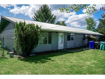 Multnomah County Multi Family Home For Sale: 1760 SE 9th St