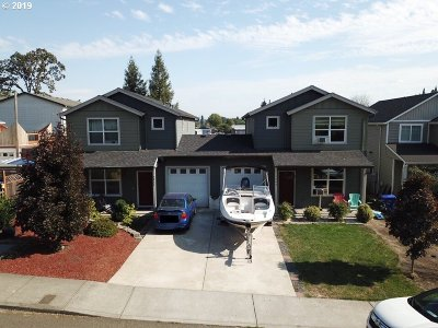 Milwaukie, Gladstone Multi Family Home For Sale: 5860 Glen Echo Ave