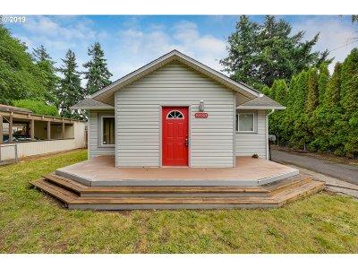 Portland Single Family Home For Sale: 8430 NE Thompson St