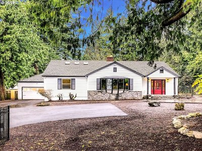 Portland Single Family Home For Sale: 7555 SW Canyon Rd