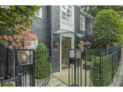 Portland Single Family Home For Sale: 2629 SW Buena Vista Dr