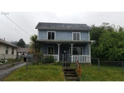 Coquille Single Family Home For Sale: 960 N Dean