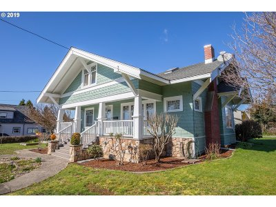 Coquille Single Family Home For Sale: 316 W 4th St