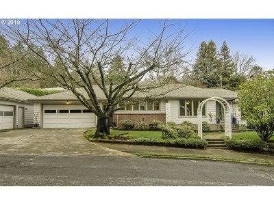 Portland Single Family Home For Sale: 150 NW Hermosa Blvd