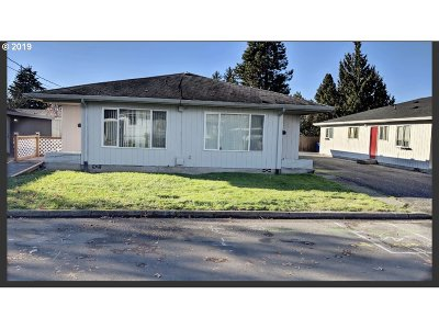 Cowlitz County Multi Family Home Bumpable Buyer: 1111 N 4th Ave