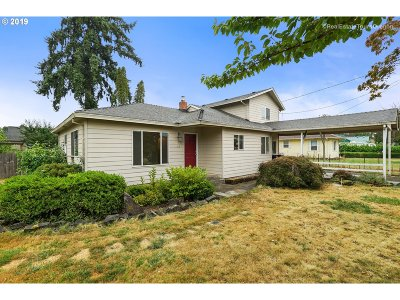 Molalla Single Family Home For Sale: 319 Leroy St