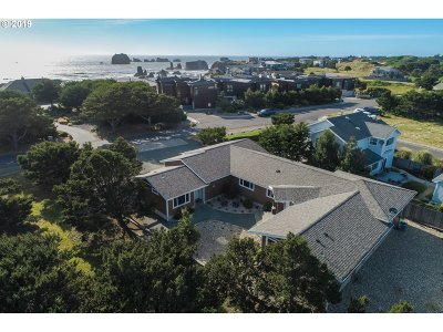 Bandon Single Family Home For Sale: 2841 Beach Loop Dr