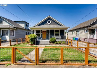 Portland Single Family Home For Sale: 3121 SE 22nd Ave